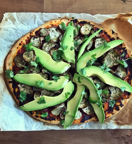 Auberginen Avocado Pizza