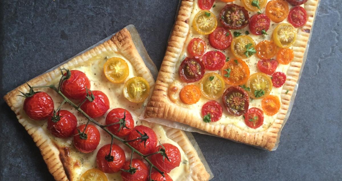 Tomaten Blätterteig Ecken mit Zitronen-Petersilien-Ricotta