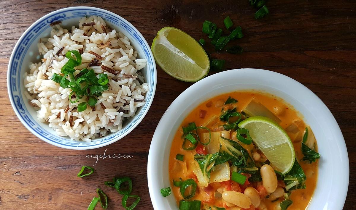 Krautstiel, Tomaten und Bohnen Curry mit Wildreis