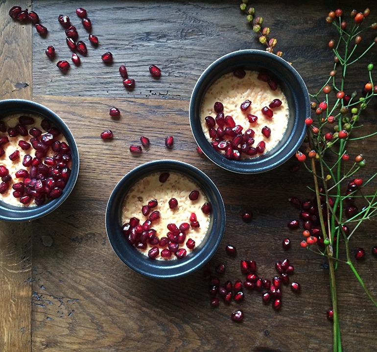 Pots de Crème mit Vanille und Granatapfelkernen