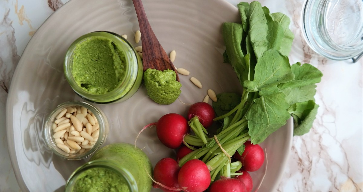 Radieschen Blätter Pesto
