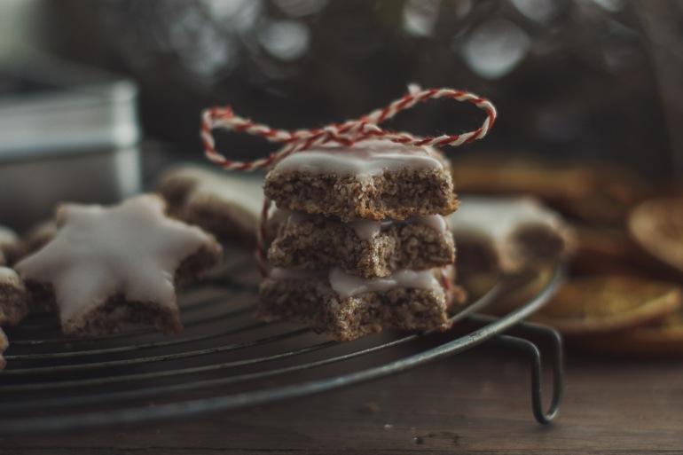 Zimtsterne angebissen Weihnachten